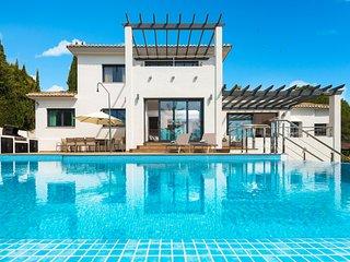 6 bedroom Villa in Fuengirola, Andalusia, Spain : ref 5700440