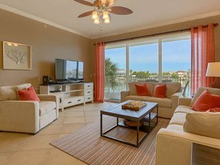 Waterfront w/ Spacious Balcony, Gourmet Kitchen & New Furniture, Wi-Fi & Cable,