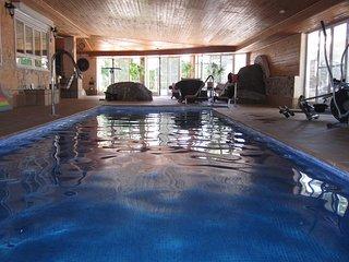 Spacious villa in Guadarrama with Parking, Internet, Washing machine, Air condit
