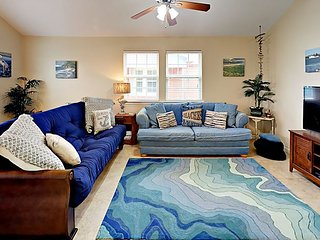 424CW: Stilt Home, Room for Boat, Shared Pool, Beach Vibes, Closets