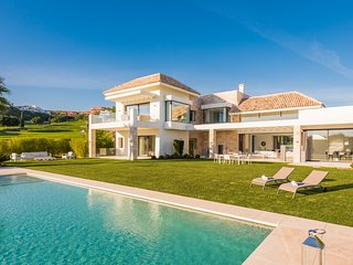 7 Bedrooms villa Yasmin in Los Flamingos Golf