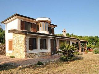 3 bedroom Villa with Air Con and WiFi - 5083052