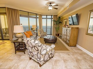 Spring Into A Vacation ~ 3 BR, 4 Bath ~ Gulf Front ~ Sleeps 10 ~ All Tile ~ Phoe