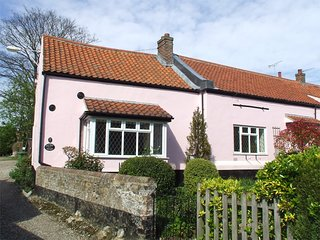 NCC42 Cottage situated in Holt