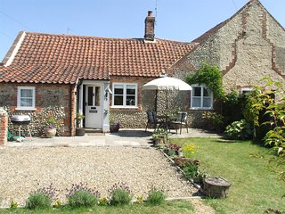 NCC08 Cottage situated in Holt