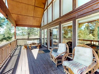 Charming cabin close to the skiing, biking with a wrap-around deck!