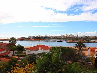 Casa Vista, Panoramic sea and marina views, 3 Bedroom, Sleeps 6, Air/con, Commun