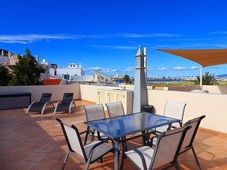 Casa Maria, sea views, 2 Bedroom, Air/Con, Roof terrace, Communal Pool