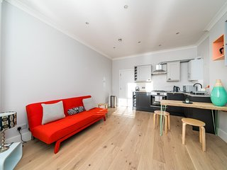 NEW Chic & Stylish 1 Bedroom Flat Chiswick Centre