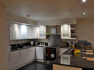 Lovely 2 Bed Modern Flat in the Heart of Swindon