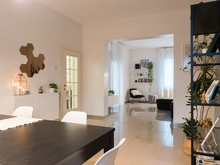 VeniceVillas, M Design Apartment
