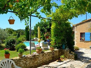 LS2-326 AMIRADOU - beautiful vacation rental in the Luberon Park