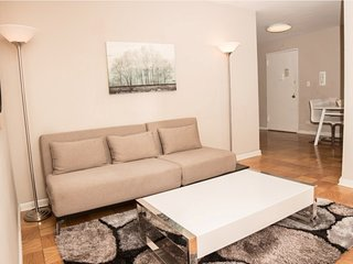 15AE-UES-1BR-SWIMMING POOL-GYM-GARAGE-AC