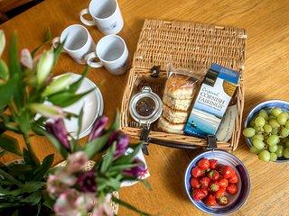Cream tea on arrival!
