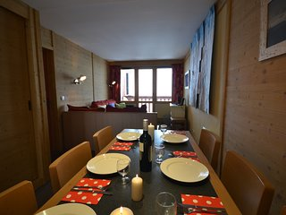 Stunning 2 bedroom apartment ski in/out Bois Gentil Les Coches
