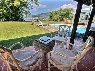 Villa du Morne d'Orange: vue époustouflante sur montagne Pelée, piscine, jardin