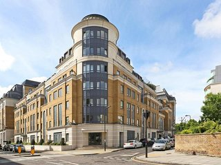 Lovely 2bed, 3bath apt in South Hampstead