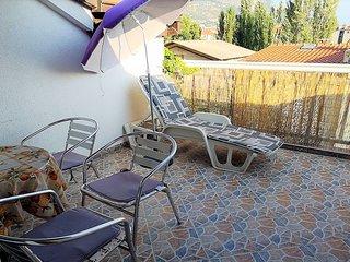 A2 –studio with terrace, breakfast, sea view & parking