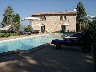 Osteria di Ramazzano Apartment Sleeps 7 with Pool Air Con and WiFi - 5742633