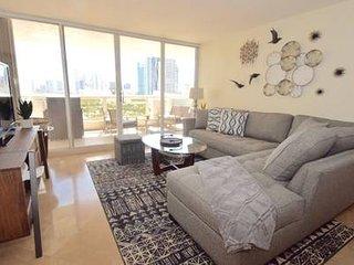 Boho Chic' Miami 1856 - 4 bedrooms sleeps 6!!!