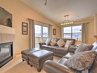 Picturesque Silverthorne Condo w/ Pool & Views!