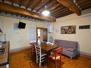 Sansepolcro Apartment Sleeps 6 - 5720378