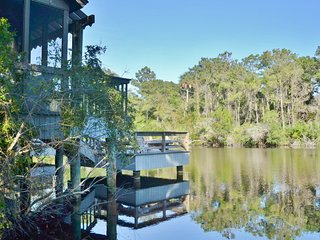 NEW LISTING! Lake-view villa with great location near lake, woods, and beach