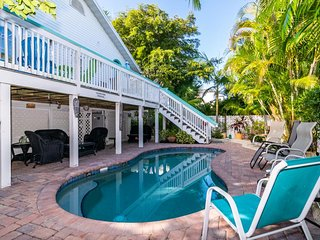 Historic and Charming 3BR 3BA, 170 Steps to Beach, Gulf View, WIFI and Pool,