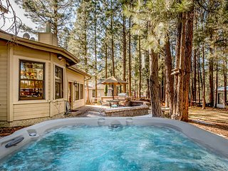 NEW LISTING! Family-friendly house w/hot tub & forest views-convenient location