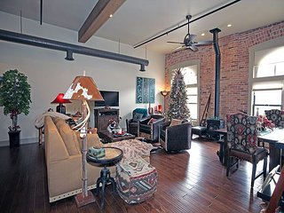 New Listing! - Luxury Loft - In the Heart of Downtown Ouray