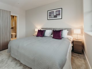 Stylish Apartment In Watford with Close London Connections