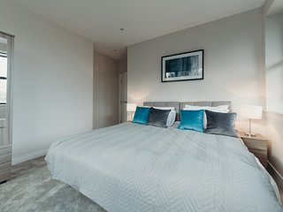 Stylish Contemporary  Apartment in Buzzing Watford