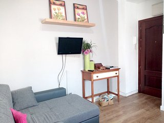 Cozy apartment in the center of Seville with Internet, Washing machine, Air cond