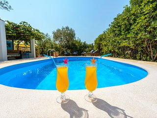 Spacious villa in Mlini with Parking, Internet, Washing machine, Air conditionin