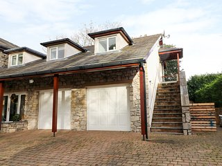 SYCAMORE HOUSE APARTMENT, WiFi, open-plan, Arnside
