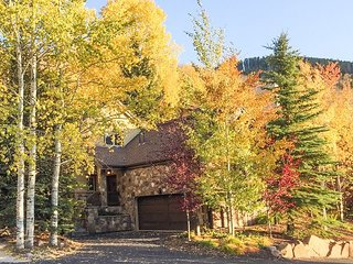 West Vail Gem - Private Patio w/ Hot Tub & Grill, Near Vail Village