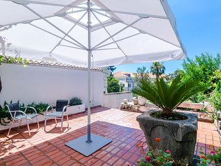Apartments Paula - One Bedroom Apartment with Shared Terrace