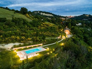 4 bedroom Villa in Casino Noci, The Marches, Italy - 5717948
