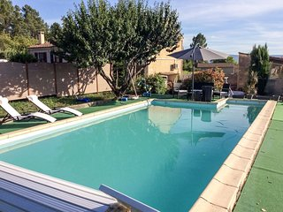 2 bedroom Apartment in Les Huguets, France - 5718509