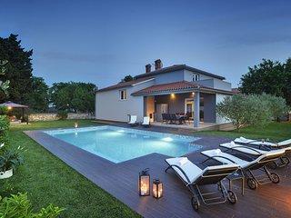 4 bedroom Villa in Vinkuran, Istria, Croatia : ref 5718524