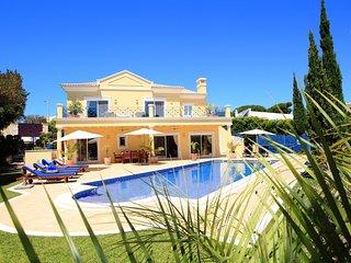 4 bedroom Villa in Vale do Lobo, Faro, Portugal : ref 5718972