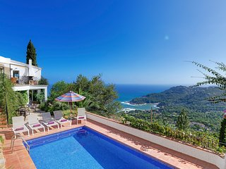 6 bedroom Villa with Pool, Air Con and WiFi - 5718753