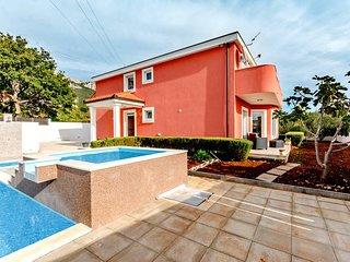 5 bedroom Villa in Kaštel Sućurac, Croatia - 5718889