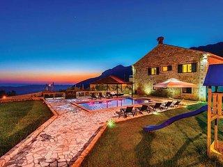 6 bedroom Villa in Dubravka, Croatia - 5716607