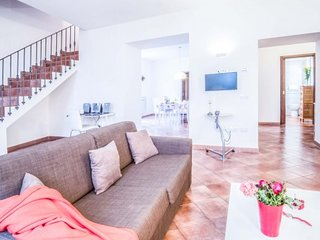3 bedroom Apartment with Air Con and WiFi - 5717415