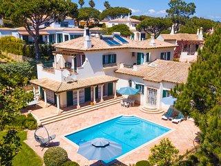 Vale do Lobo Villa Sleeps 7 with Pool Air Con and WiFi - 5718173