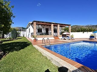 2 bedroom Villa with Pool, Air Con and WiFi - 5717752