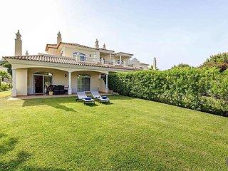 Quinta do Lago Villa Sleeps 4 with Pool Air Con and WiFi - 5717623