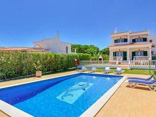 3 bedroom Villa in Olhos de Água, Faro, Portugal : ref 5716599