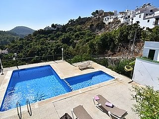 Frigiliana Villa Sleeps 6 with Pool - 5717745
